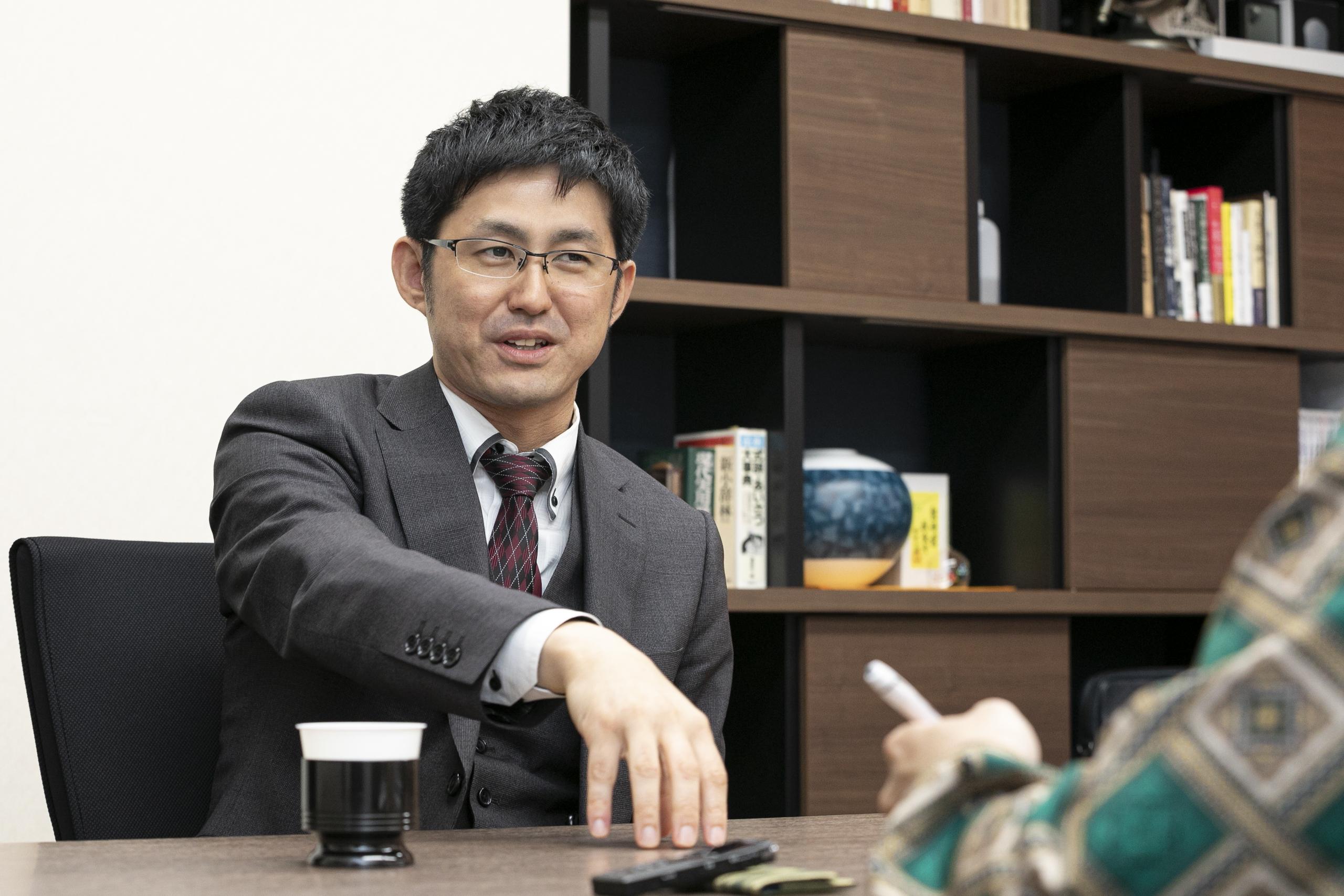 採用についてお話ししてくださる秀嶋社長